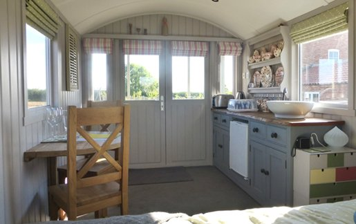 Lincoln-Interior-Glamping